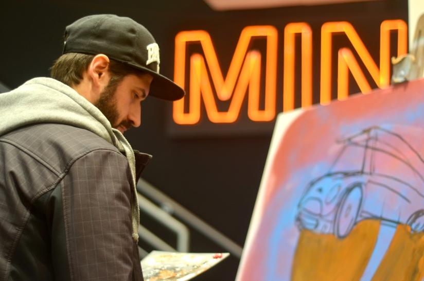 Street art, carrões e motocas. Bem-vindos ao primeiro evento do ArteViralata!